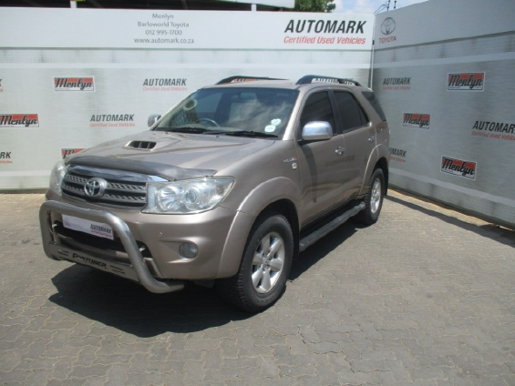 TOYOTA FORTUNER 3.0D-4D R/B 4X4
