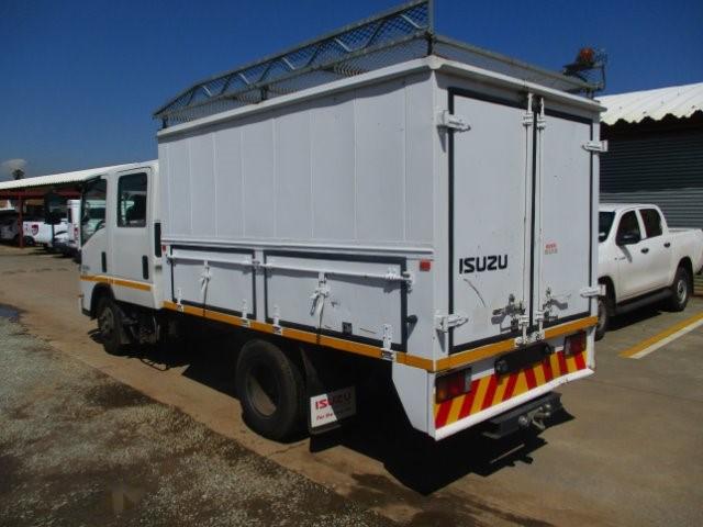 2013 ISUZU NMR 250 CREW CAB F/C C/C
