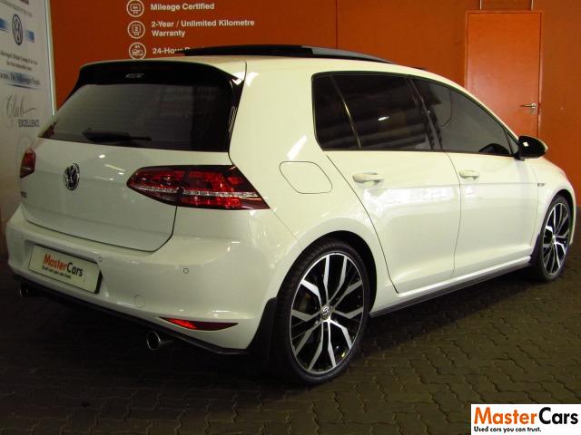 2015 VOLKSWAGEN Golf VII GTi 2.0 TSI DSG