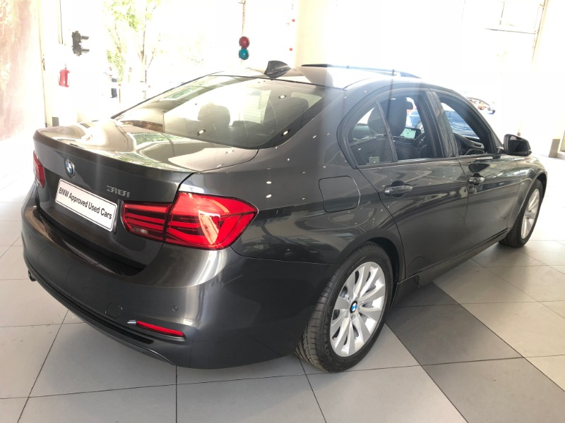 2018 BMW 318i SPORT LINE A/T (F30)