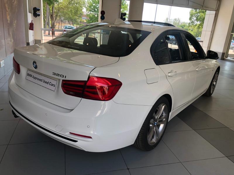 2018 BMW 320i SPORT LINE A/T (F30)