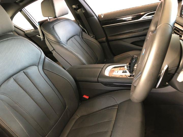 2019 BMW 740i M SPORT (G11)
