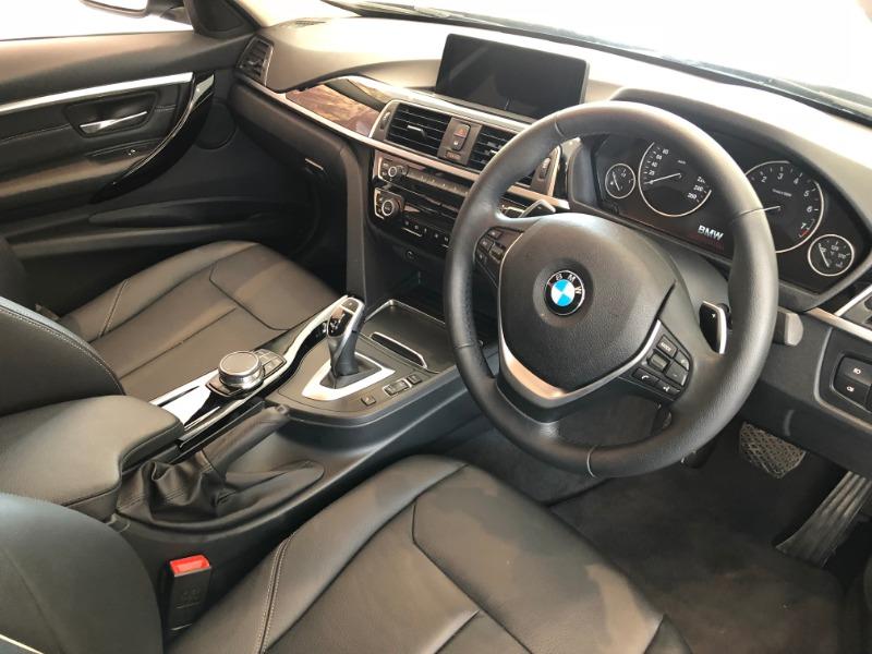 2018 BMW 320i LUXURY LINE A/T (F30)