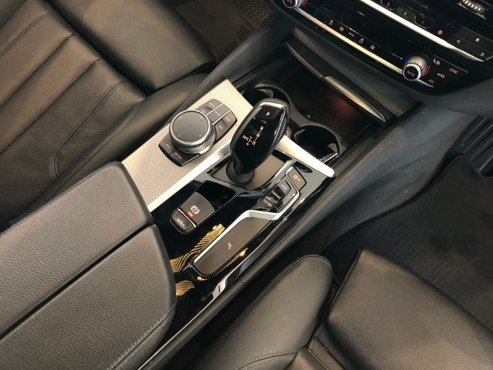 2017 BMW 530d M SPORT A/T (G30)
