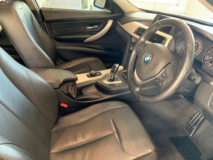 2016 BMW 318i A/T (F30)