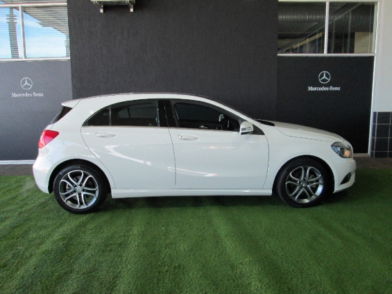 MERCEDES-BENZ A 220d URBAN A/T