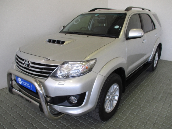 TOYOTA FORTUNER 3.0D-4D R/B
