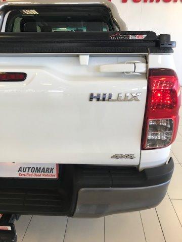 2018 TOYOTA HILUX 2.4 GD-6 SR 4X4 P/U D/C