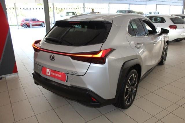 2019 LEXUS UX 250h SE