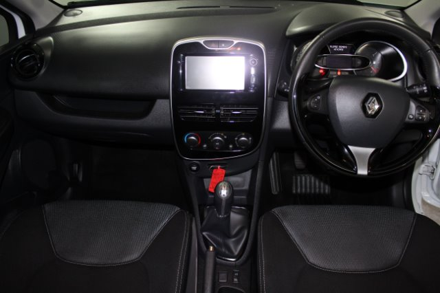 2017 RENAULT CLIO IV 900 T EXPRESSION 5DR (66KW)