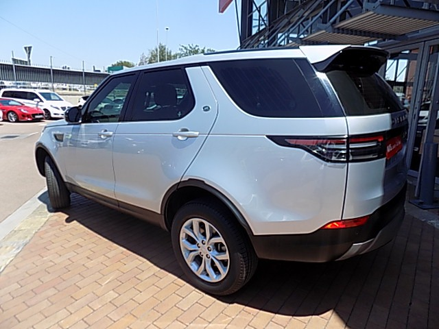 2017 LAND ROVER DISCOVERY 3.0 TD6 SE