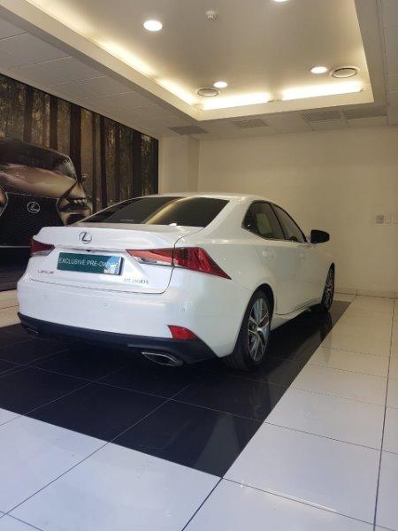 2018 LEXUS IS 200T EX/300 EX