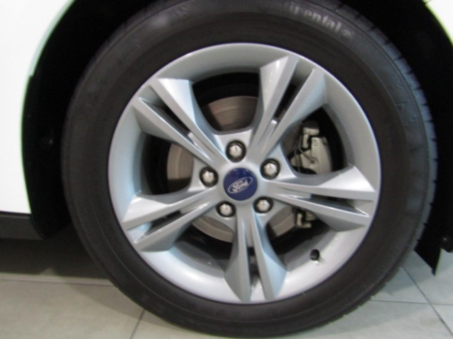 2017 FORD FOCUS 1.0 ECOBOOST TREND A/T 5DR