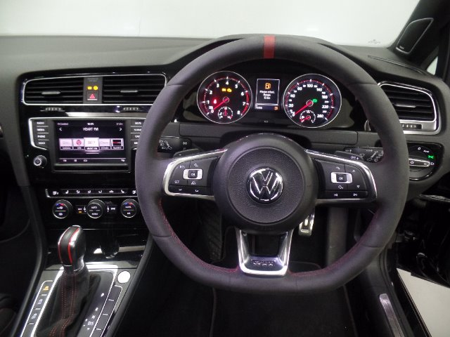 2016 VOLKSWAGEN Golf VII GTi 2.0 TSI DSG CLUBSPORT