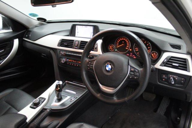 2014 BMW 320i  A/T (F30)